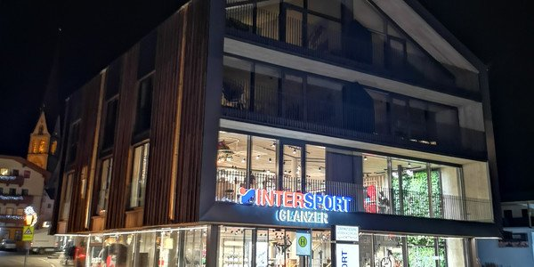 Shop INTERSPORT Glanzer Längenfeld im Winter